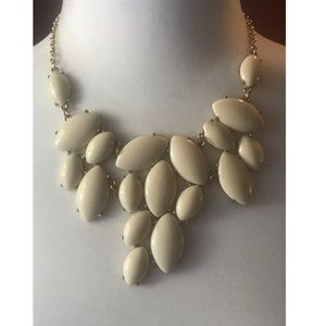 NWT Francesca's Ivory Statement Necklace